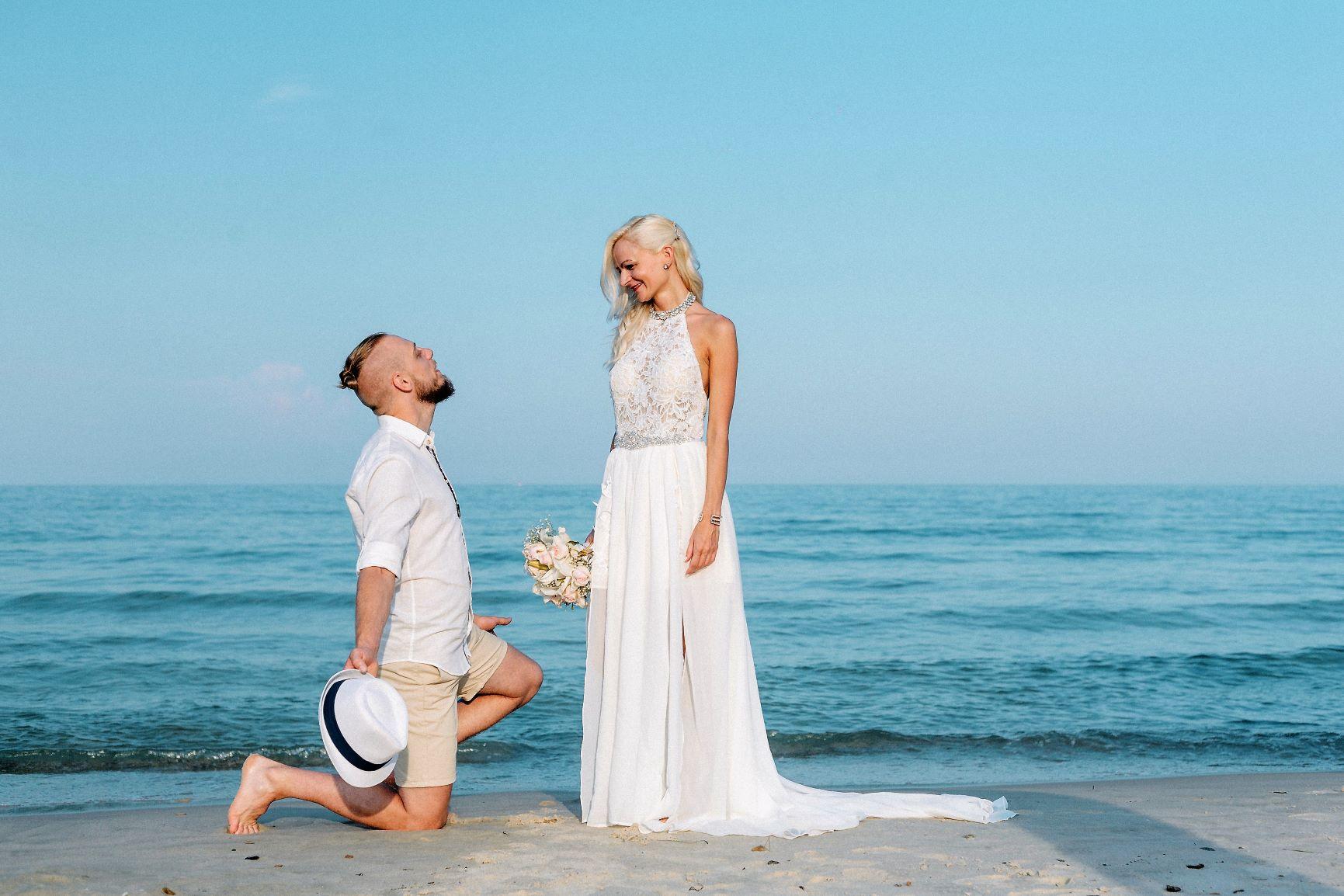 8e87dc0dbf Az általatok kiválasztott Nagy nap csak a tiétek, azon a napon más esküvőt  nem rendezünk! Lehet romantikus csak Ti ketten vagy családotokkal, ...